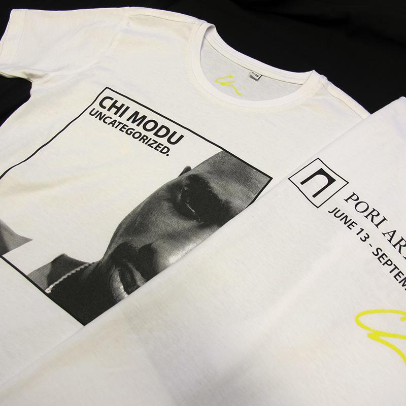 CHI MODU: UNCATEGORIZED. Tupac T-paita unisex valkoinen (510003)