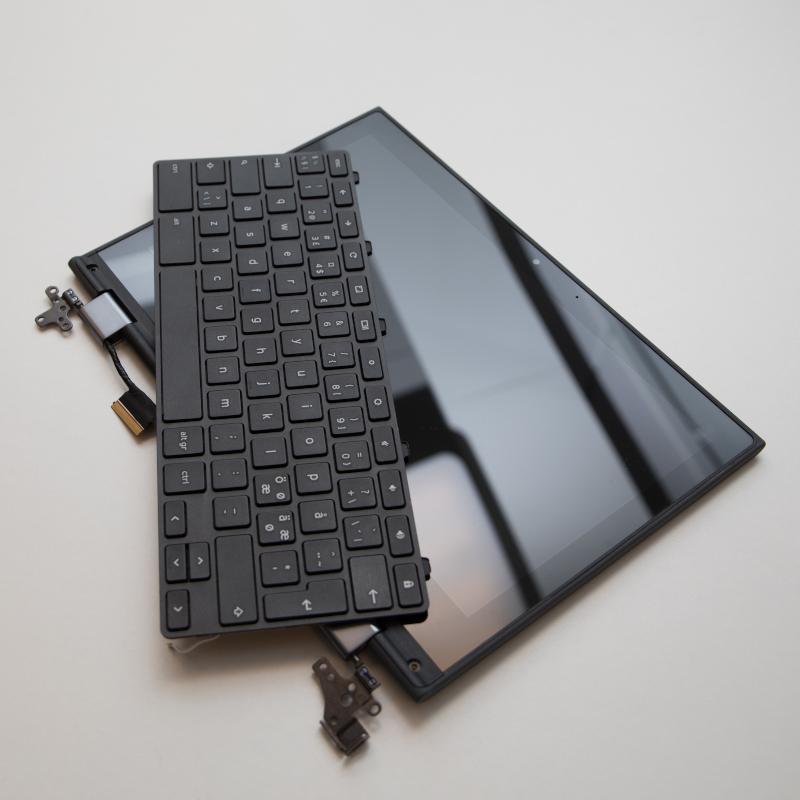 Rikkoutunut Chromebook-laite, vaihdettu komponentteja (604002)